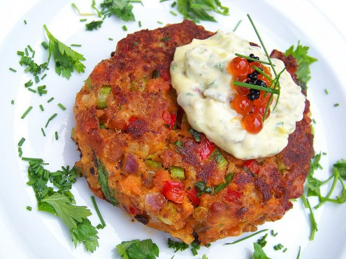 Pan-Fried Salmon Cakes with Sauce Remoulade