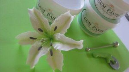 lily sugar flower