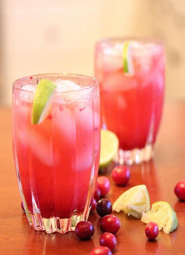 Cranberry-Vodka-Spritzer