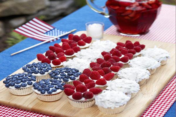 easy flag cupcakes