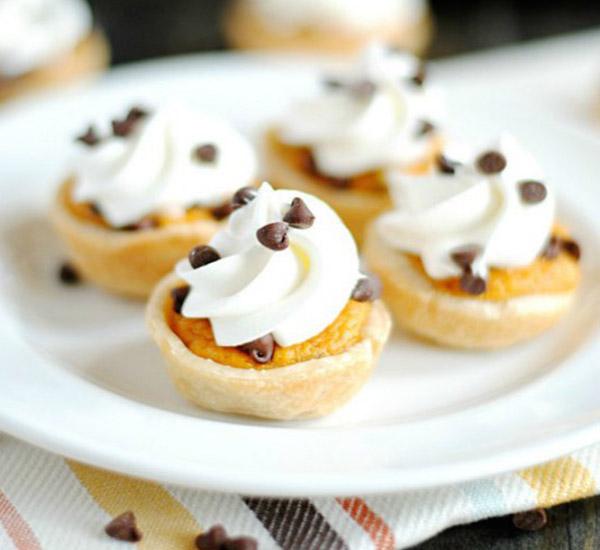 Mini Chocolate Chip Pumpkin Pie – Edible Crafts