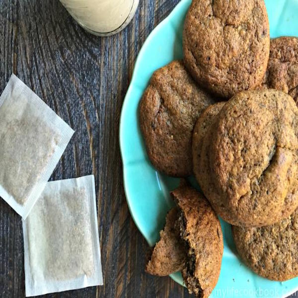 low-carb-spice-tea-cookies-plate