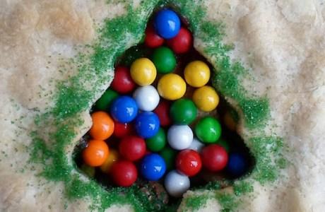 Apple Pie with Christmas Tree Decoration
