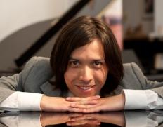 Cristian Leal, joven pianista iquiqueño destaca en exigentes escenarios de Europa