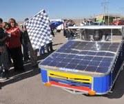 Vehículo de la Universidad de La Serena lidera primer día del Atacama Solar Challenge 2011
