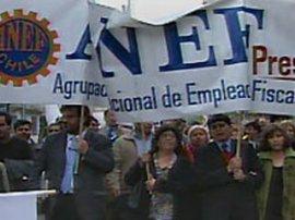 10 mil funcionarios públicos han sido despedidos en estos dos años de gobierno de Piñera