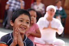 Yoga para párvulos, educadoras y apoderados de jardín infantil Payasito