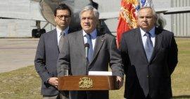 """Doble discurso de Piñera sobre el binominal provoca que la UDI alegue """"desorden"""". Oposición critica """"falta de liderazgo"""" y conducta de Chadwick"""