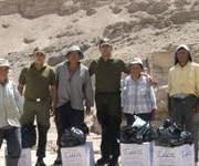 En Huasquina, efectivos policiales socorren a ancianos