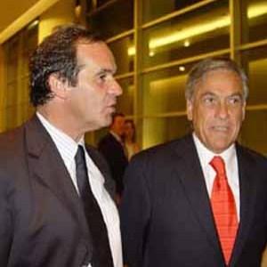 Piñera sigue bajando en las encuestas, pese a gestión gubernamental