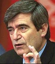 """Camilo Escalona: Existencia de 3 ministros-candidatos presidenciales son """"salvavidas de plomo"""" para Piñera"""