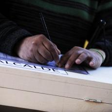 Chile renueva autoridades municipales en medio de debate por el voto voluntario