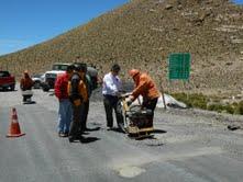 Inspeccionan la ruta Huara-Colchane