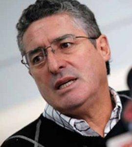 """Senador Pizarro fustiga despliegue de ministros en campaña municipal: """"Hacen lo que quieren"""""""
