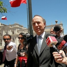 Ribera se va tras verse involucrado en escándalo por acreditaciones