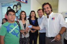 """Convenio permite que  """"Tarjeta Joven"""" pueda solciitarse en Chile Atiende"""
