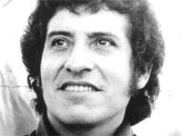 """Asesinos de Víctor Jara ahora tienen rostros, nombres y apellidos. Amigos recuerdan dramáticos detalles de trágica muerte: """"Le sacaron hasta las uñas"""""""