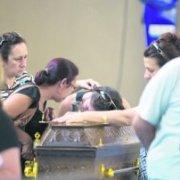 Detienen a dueño de discoteca incendiada en Brasil y a dos de los músicos