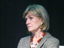 Ministra Matthei ataca a Bachelet insinuando intervención de ex Presidenta en afiches de ONU contra el femicidio