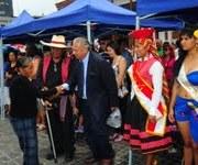 Colorido pasacalle dio inicio al Festival de Colectividades Extranjeras