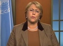 """Bachelet aboga por """"compromisos concretos de los gobiernos"""" en mensaje por Día de la Mujer"""