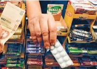 Venta de medicamentos en supermercados complica al Gobierno