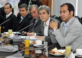 Embajador de Unión Europea visitó Zofri, Salitreras, Pica y Caleta Caramucho