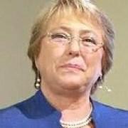 """Bachelet en saludo de fin de año: 2014 puso a """"Chile en movimiento y en 2015 será un país mejor"""""""