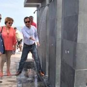 Iquiqueños y visitantes ya cuentan con duchas en Playa Cavancha