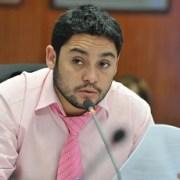 CORE José Carvajal se va con todo contra empresa eléctrica  por alza tarifaria