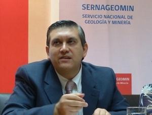 SQM: Director del Sernageomin y familiares de políticos figuran en lista que investiga la Fiscalía
