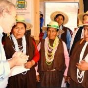 Representantes de las 5 comunas del Tamarugal recibieron telares e incentivos