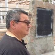 En un acto de barbarie  uniformados destruyen monolito en memoria de Detenidos Desaparecidos