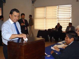 Gustavo Soto Bringas va por su tercer periodo como Rector de la UNAP, tras vencer en elecciones