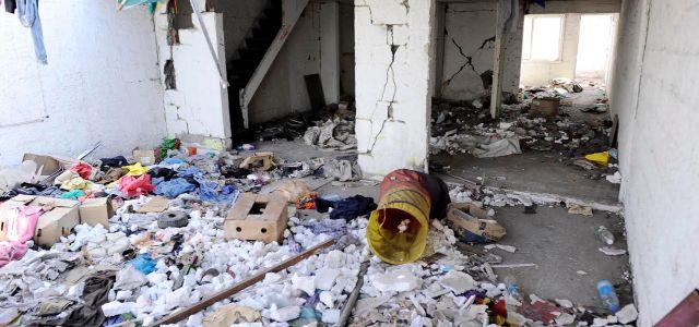 Advierten peligro por ocupación por drogadictos y antisociales de viviendas abandonadas por terremoto