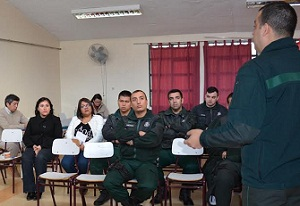 Sobre responsabilidad penal adolescente se capacitan funcionarios de Gendarmería