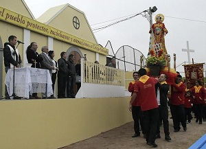 En Plaza Belén, ante réplica de imagen de San Lorenzo, devotos rinden tributo al Santo Patrono