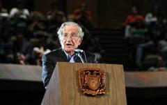 Chomsky: Malestar social amenaza la democracia