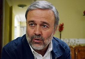 """Benito Baranda: """"La política de vivienda ha destruido la vida comunitaria en Chile"""""""