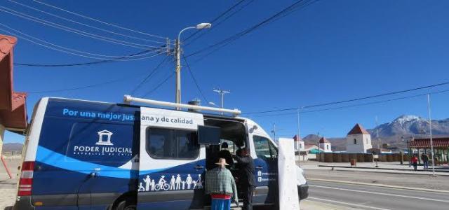 Bus de Justicia de la Corte de Apelaciones de Iquique, entregó orientación legal en Colchane