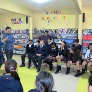 UNAP desarrolló la Tertulia Literaria donde estudiantes de Enseñanza Básica, que se reunieron con poetas