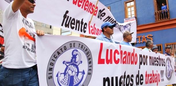 Trabajadores de la pesca industrial se movilizan ante crítica situación que vive el sector