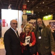 En Francia lanzan libro Isla 10 de Sergio Bitar y lo destacan como aporte a la memoria histórica