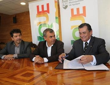 Municipio de Iquique y la UNAP comprometen trabajo para consolidar una Ciudad Universitaria Transfronteriza en Playa Lobito