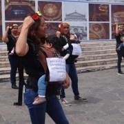 """A una sola voz mujeres se manifiestan al conmemorarse el día de la """"No más Violencia"""""""