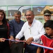 Anticipo navideño: Municipalidad hace entrega de cancha de pasto sintético en sector norte de Iquique