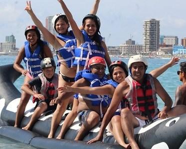 Por su amplitud y calidez de sus aguas, el Balneario Cavancha es señalado como la mejor playa de Chile