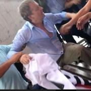 Kast sacado con resguardo policial desde Servicentro donde huyó tras ser agredido al interior de la UNAP. Una manifestante herida y 2 detenidos