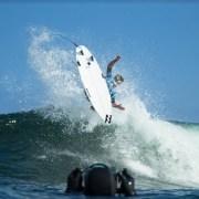 Iquique hace historia y promueve equidad de género en etapa del tour mundial de surf