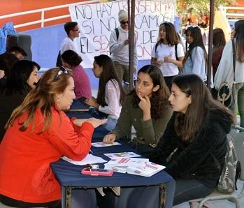 Centro de Salud de la UNAP realizó Operativo de Información y Prevención de VIH para estudiantes y funcionarios
